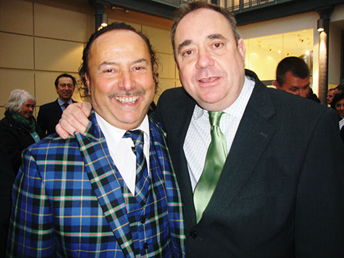 mike Lemetti in Italian National Tartan suit with Scotland's First Minister Alex Salmond